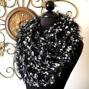 Black and White Knit Infiniti Scarf